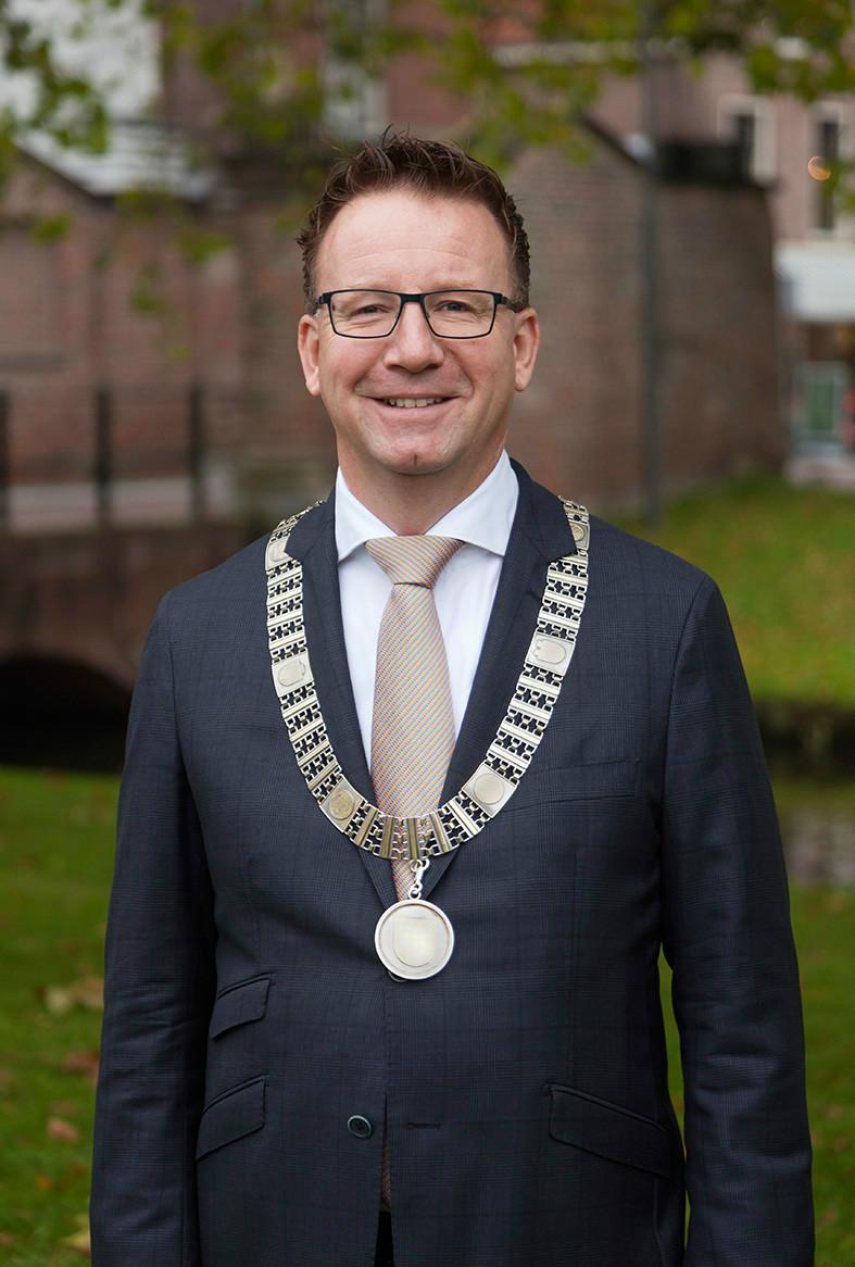 Patrick van Domburg, burgemeester van IJsselstein, juryvoorzitter en lid Comité van Aanbeveling Fotowedstrijd IJsselstein