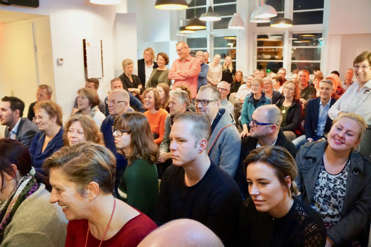 De prijsuitreiking van Fotowedstrijd IJsselstein 2017 in Museum IJsselstein was met 150 bezoekers druk bezocht