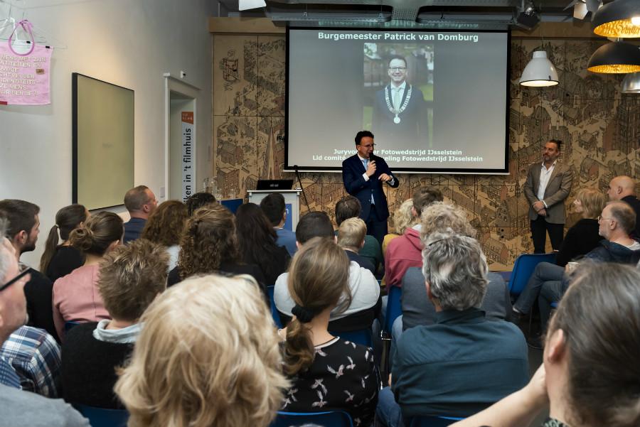 Burgemeester Patrick van Domburg - juryvoorzitter Fotowedstrijd IJsselstein 2018