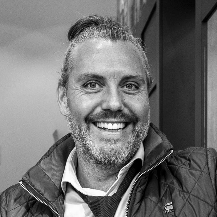 Dhr. Martin H.C. Planken, Media Ondernemer bij Topshelf Media ®, organisator netwerk events Open Coffee Utrecht en organisator Fotowedstrijd IJsselstein | jurylid