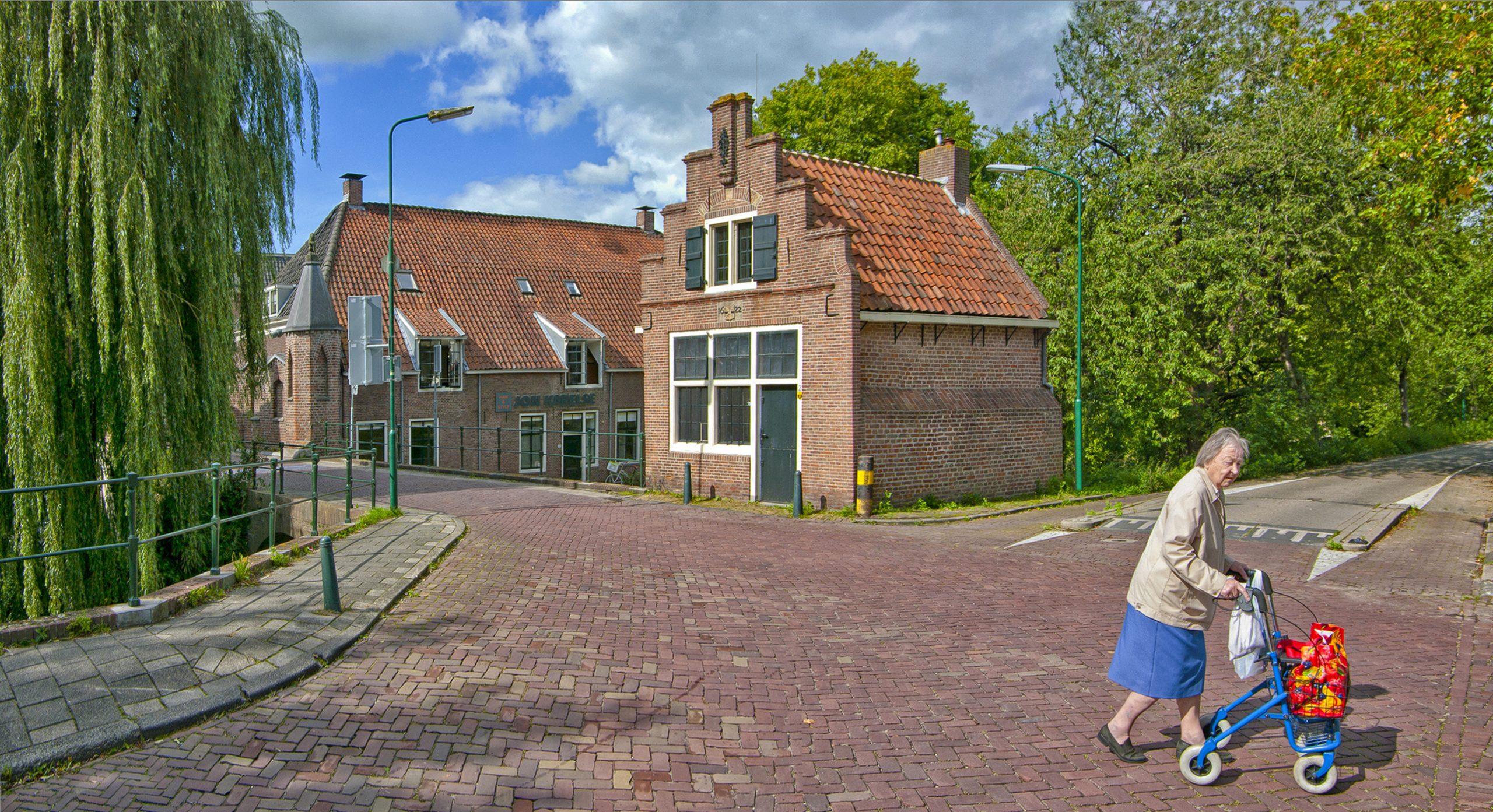 "Nummer 3 Fotowedstrijd IJsselstein 2019 - Cor Boers met ""Oud maar aktief"""
